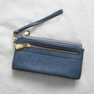 2/$20 OR 3/$25 ⭐ Blue Faux Leather Wristlet Wallet